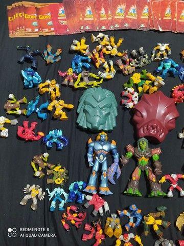 Vendo Coleção de brinquedos Gormiti mais cartas - Foto 2