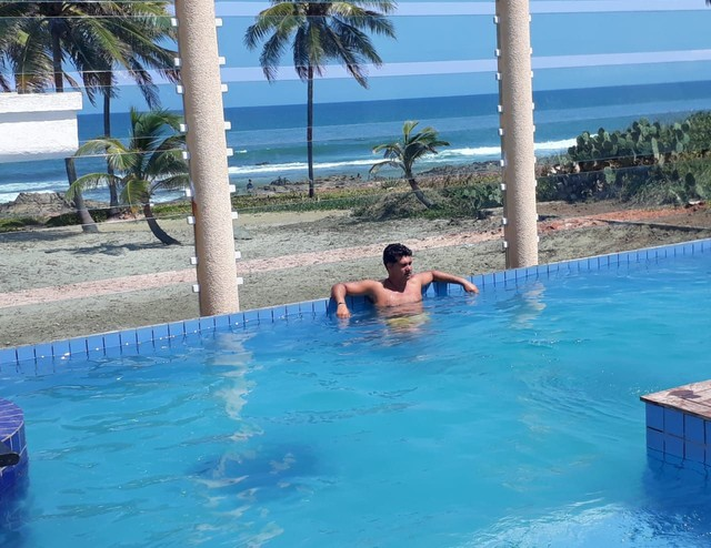 Casa TOP frente à praia 4 suítes em Salvador (Não é vilage)