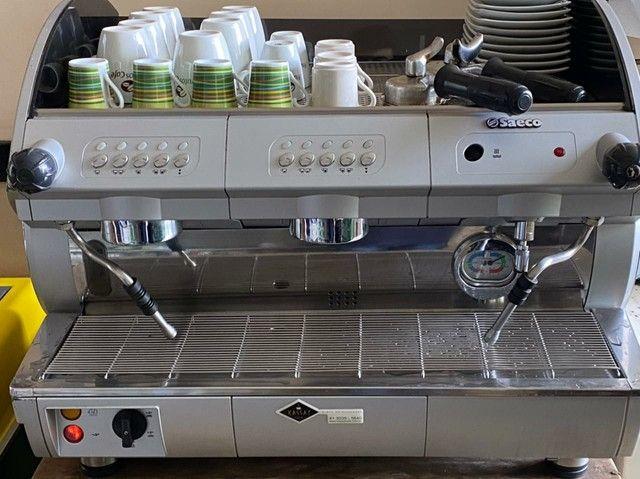 Cafeteira profissional SAECO