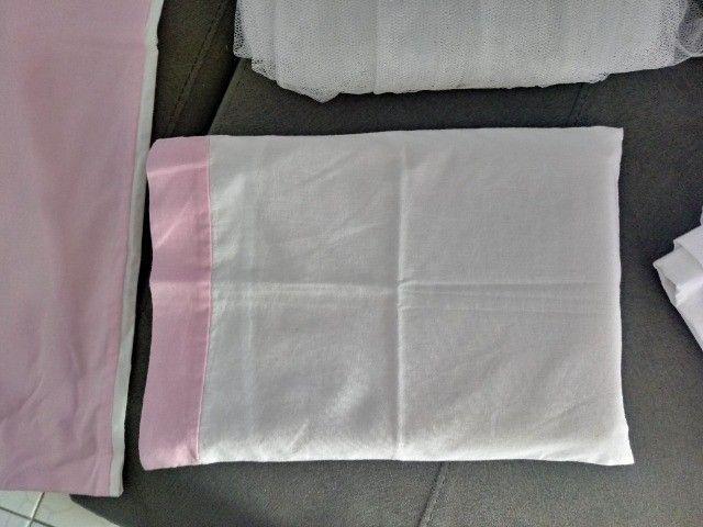 Kit berço com 8 peças chanfrado rosa e cinza - Foto 4