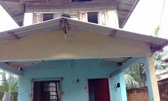 Vende-se uma casa no Açai