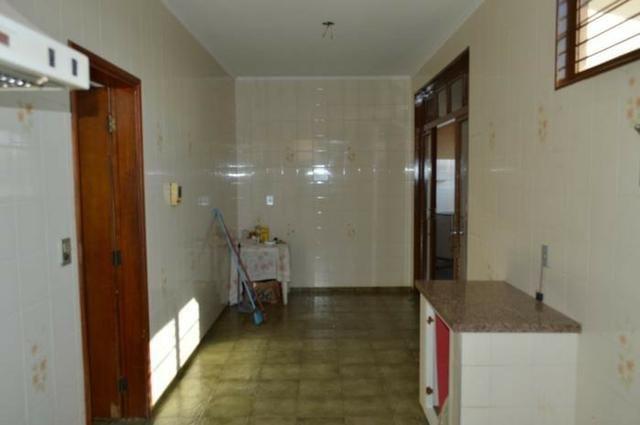 Casa em batatais,3 dormitorios,1 suite, piscina, sauna e varanda gourmet, região central - Foto 5