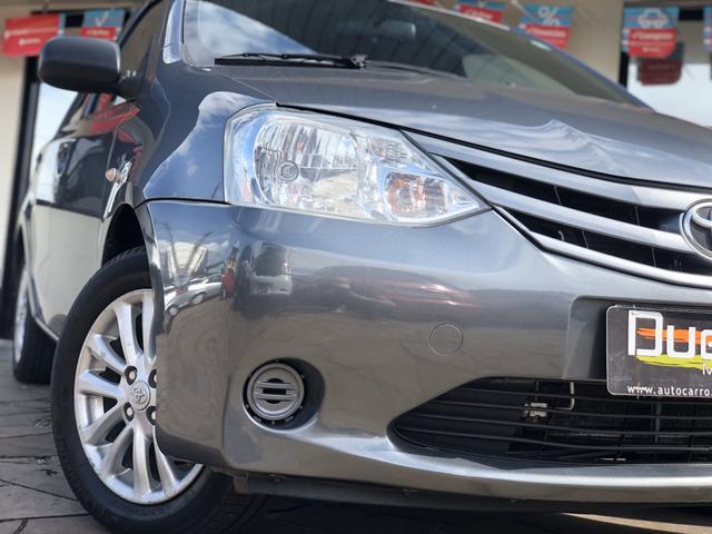 Toyota Etios X 1.5 Sedan 2013 - Foto 3