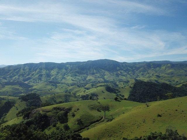 Maravilhoso Sítio de 9.9 Alqueires na Serra Mantiqueira Município Piranguçu-Mg - Foto 3