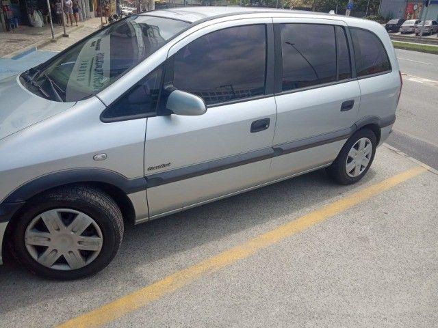 Vendo carro Zafira 7 lugares - Foto 12