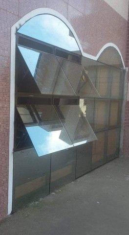 Portas ,janelas ,sacadas ,Guarda corpo ,em vidro temperado - Foto 2