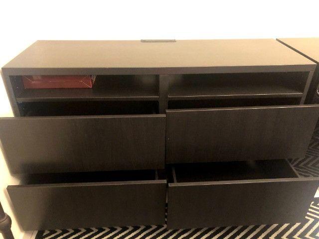 Mesa para TV com 4 gavetas - nova