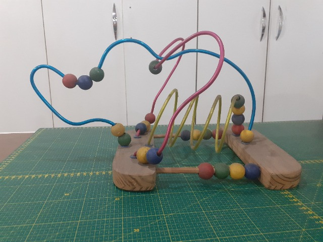 4 Brinquedos Pedagógicos de madeira