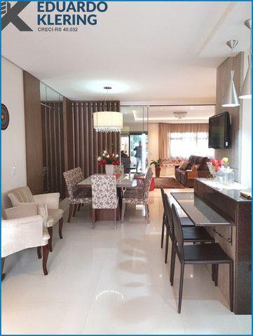 Casa de Alto Padrão, com 3 dormitórios, 3 banheiros, jardim com piscina, 399,48m² - Foto 11
