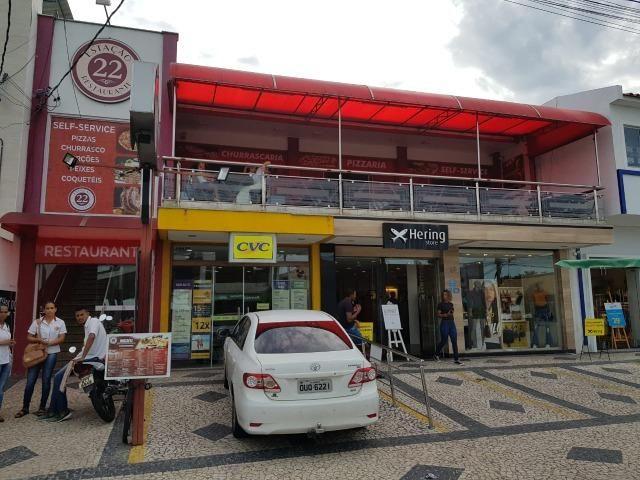 RE/MAX Safira vende lojas comerciais no centro de Porto Seguro, Bahia
