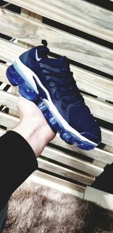 Tênis Nike Vapor Max Plus azul