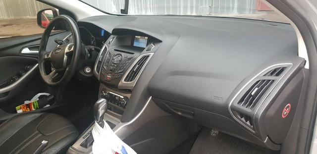 Ford New Focus 2.0 - Foto 18