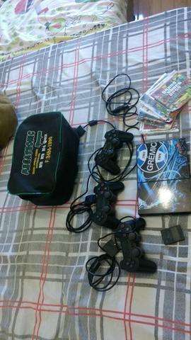 PS2, bem Cuidado, 3 controles e jogos - Foto 2
