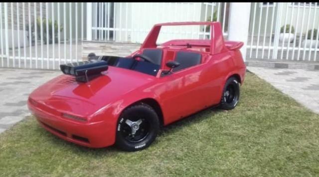 Mini carro Ferrari