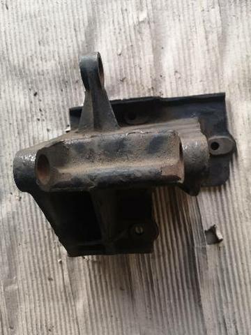 Suporte do compressor de ar condicionado S10 2.2 de 1996 a 1999