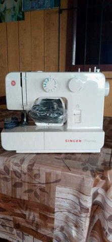 Máquina de costura Singer promise. - Foto 2