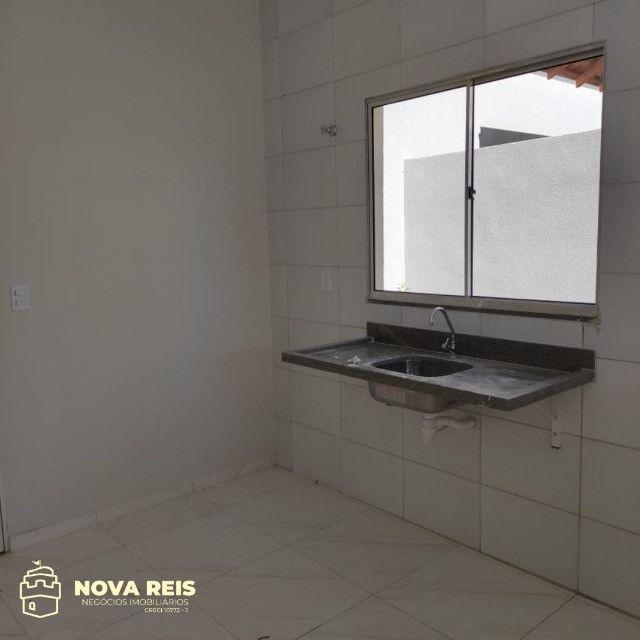 Condomínio somente com 3 casas, oferecendo muito mais espaço de terreno - Foto 3