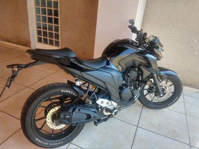 plotagem de motos envelopamento de motos e carros adesivos  - Foto 3