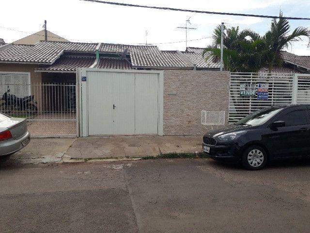 Casa 2 dormitórios excelente localização em Esteio