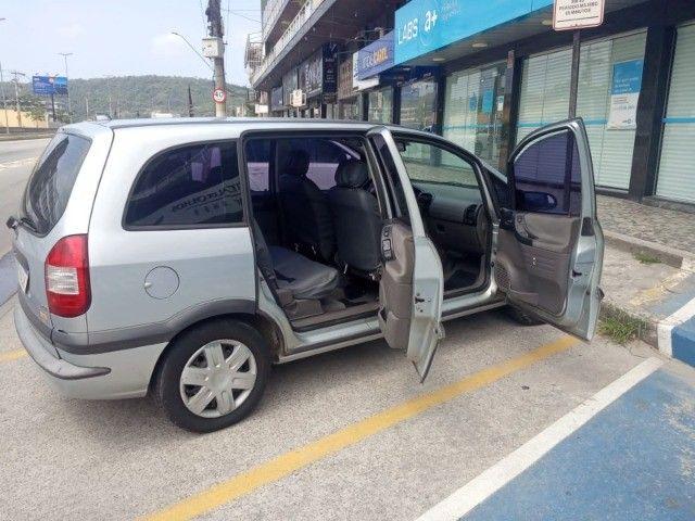 Vendo carro Zafira 7 lugares - Foto 6