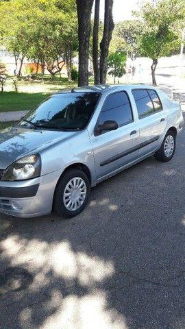 Renault Clio Sedan 1.6 2005 COMPLETO.  - Foto 4