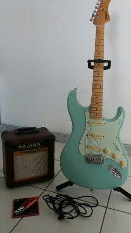 Guitarra em ótimo estado usadas pouquíssimas vezes com kit