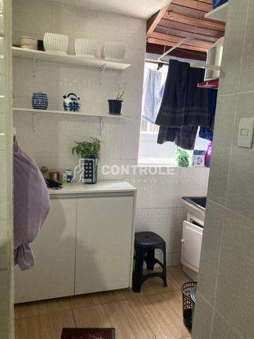 (Ri)Amplo apartamento 2 dormitórios, totalmente reformado, no coração do Bairro Estreito - Foto 8