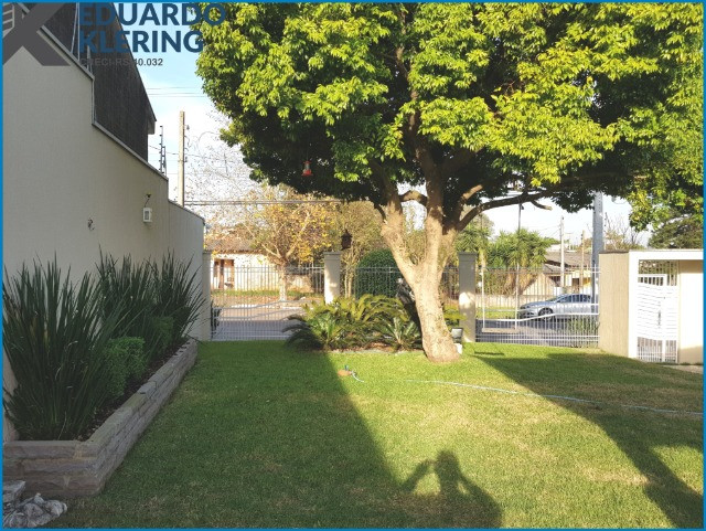 Casa de Alto Padrão, com 3 dormitórios, 3 banheiros, jardim com piscina, 399,48m² - Foto 7