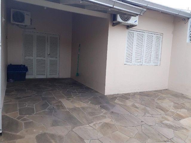 Casa 2 dormitórios excelente localização em Esteio - Foto 4