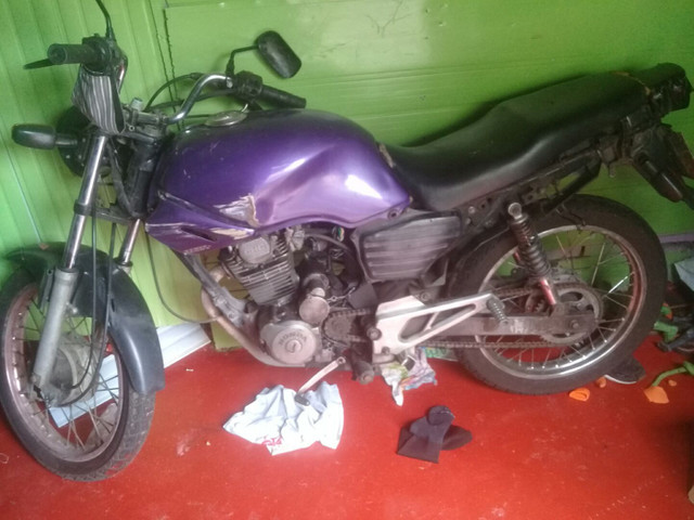Moto 200