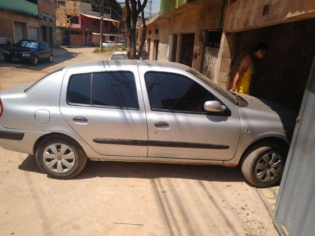 Renault Clio sedã 1.0 2006 - Foto 2