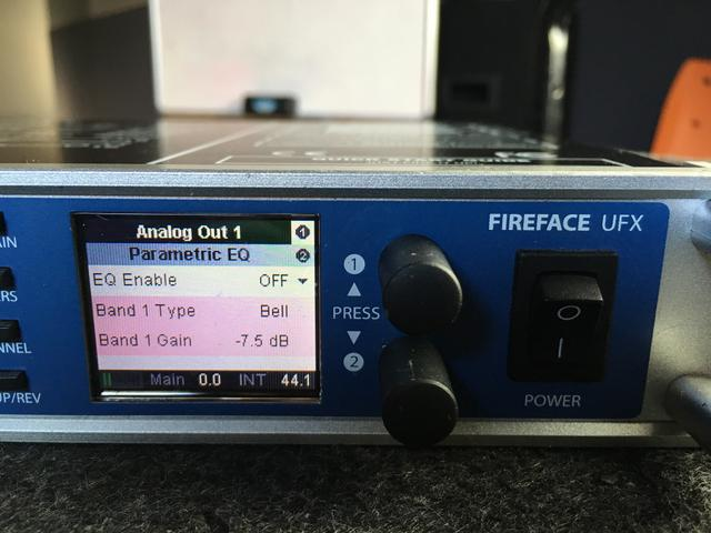 RME UFX - Interface de áudio USB/Firewire 30ins e 30outs - Made in Germany