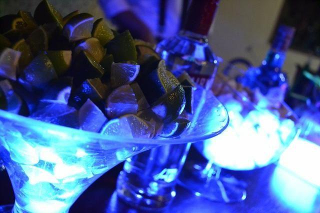 Bartender, Barman, Coquetel, Drinks, Caipirinhas, Bebidas Festas