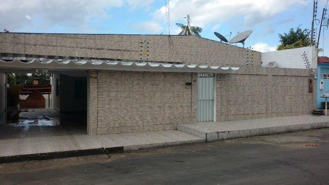Casa Campos Elísios, 04 Qtos, sendo 02 suíte, Sendo 01 Master. 411 M²