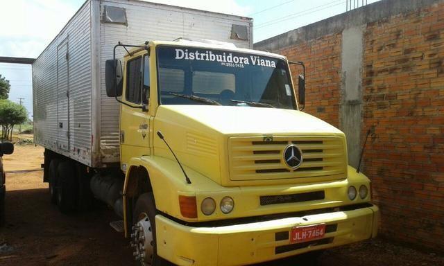 Caminhão 1418 Mercedes benz