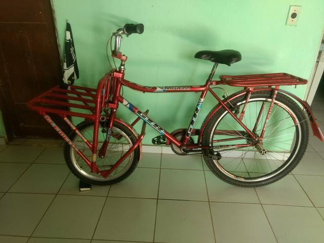 Vemdo essa bicicleta super nova toda perfeita acompanha documento dela