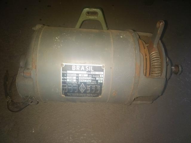 Motor de embreagem para máquina