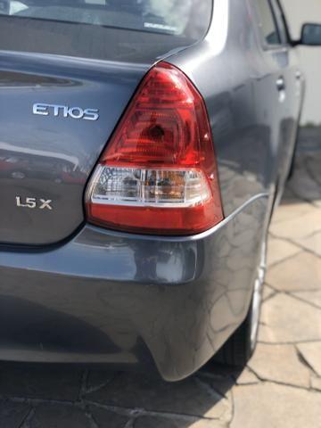 Toyota Etios X 1.5 Sedan 2013 - Foto 7