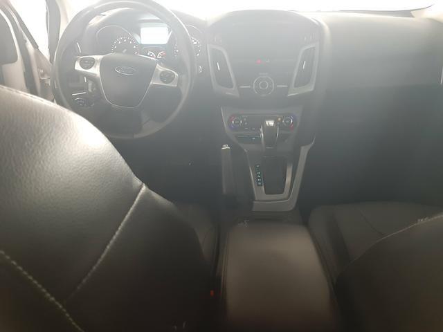 Vendo ou troco Ford Focus Sedan Titanium Automatizado 2.0 2015 77.200 km R$49.900,00 - Foto 9