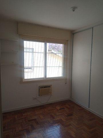 Excelente apartamento, muito bem localizado no Bairro Santo Antônio em Porto Alegre/RS - Foto 2