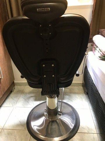 Cadeira para salão/ barbearia Dompel - Foto 5