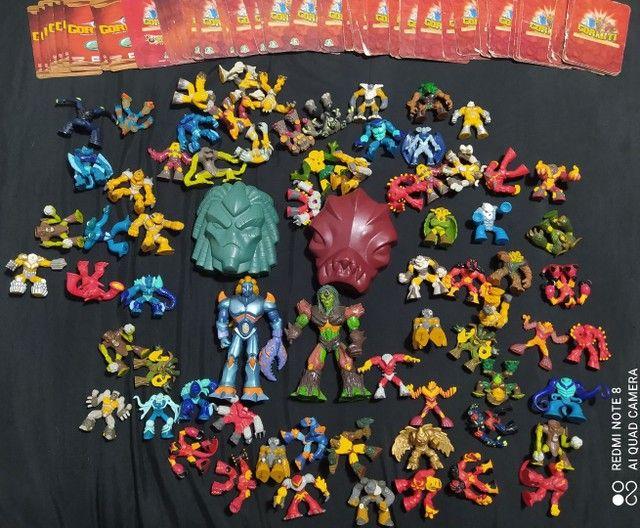 Vendo Coleção de brinquedos Gormiti mais cartas - Foto 5