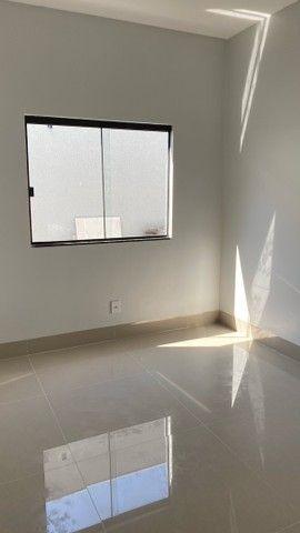 Linda Casa de 3 quartos com suíte - Foto 11
