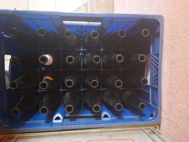 Vende-se 8 caixas de cerveja vasilhames  - Foto 2