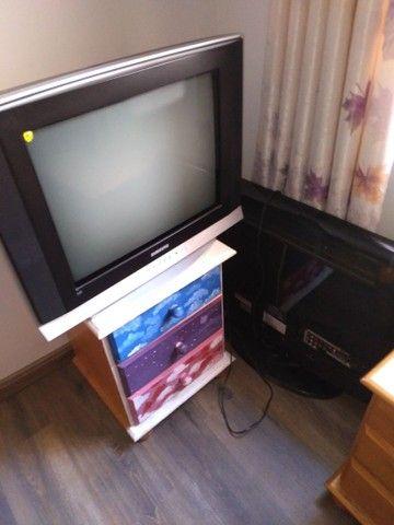 Duas TVs