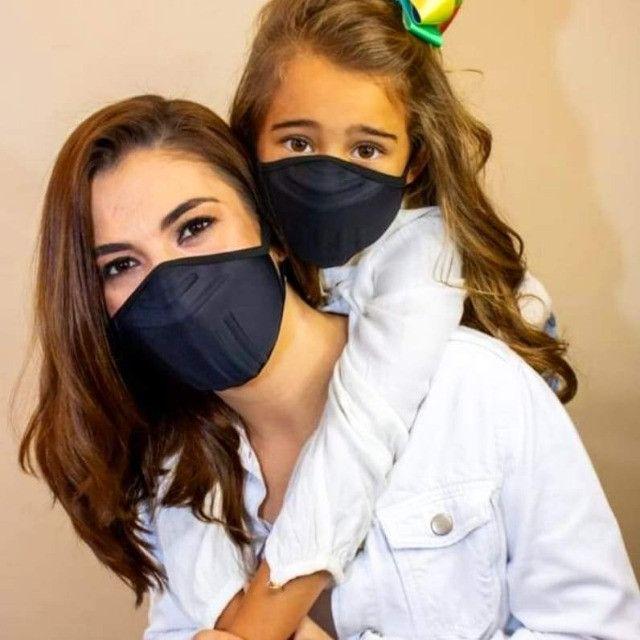 Mascara com proteção três barreiras - Foto 4