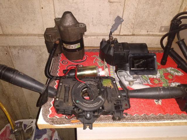 Peças Clio sedan 2001/02. Gasolina. - Foto 2