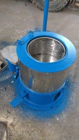 Centrifuga de roupas em aço inox cap 6 kg seco 12 kg molhado - Foto 3