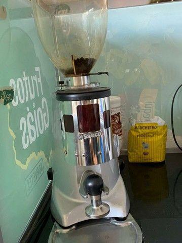Cafeteira profissional SAECO - Foto 3