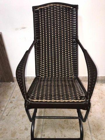 Cadeira de balanço em fibra - Foto 2